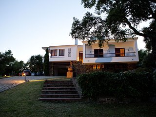 VILLA SURERES, FANTASTIC HOUSE WITH PRIVATE POOL AND A LOT OF PRIVACY