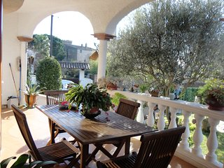 VILLA PI, VILLA FOR 7*8 PEOPLE WITH COMMUNAL POOL