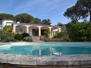 VILLA FOR 8 PEOPLE WITH A BIG SWIMMING POOL AND GARDEN, WITH A LOT OF PRIVACITY