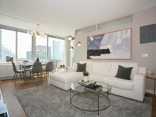 Designer luxurious 3 Bedroom Apartment with Gym, Doorman, Lincoln Center