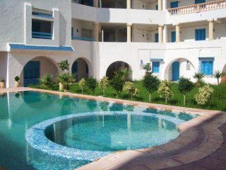 Smart flat with pool, near beach