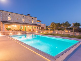 SON FADRI - Villa for 10 people in Campos