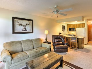 NEW! 2BR Branson West Condo w/ Deck & No Stairs!
