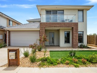 WYNDHAM BAYSIDE VILLA - MELBOURNE Great Location, Sleeps Groups, All Linen Incl