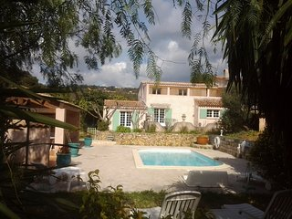 Villa - 6 km from the beach