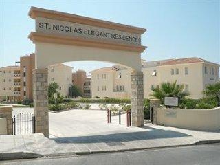 Allysum Saint Nicholas Elegant Residence