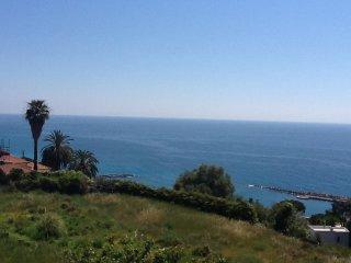 Beautiful studio with sea view