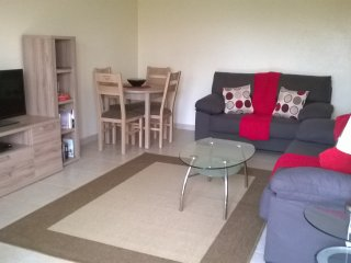 Two Bed with Air-Con, Garden, Wi-Fi and Community Pool