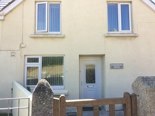 Perranporth Holiday rental house - 3 double bedrooms, 1 bathroom, sleeps 6