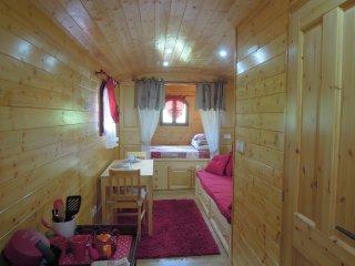Cute mobile home w/terrace & garden
