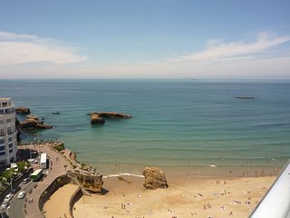 Apartment with 2 bedrooms in Biarritz, with wonderful sea view and WiFi
