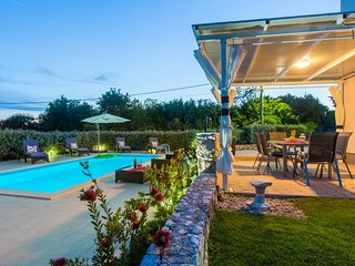 House with 2 bedrooms in Dobrinj, with private pool, enclosed garden and WiFi