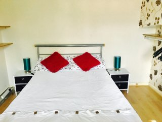 NICE DOUBLE BEDROOM WITH WIFI IN CAMBRIDGE