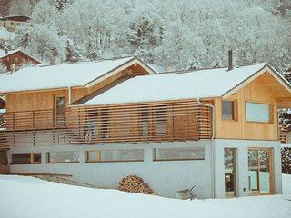 A house to get the most from the mountains right from the sofa!