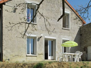 A 3 bedroom house with wifi and a furnished terrace – 2km from le lac d'ailette!
