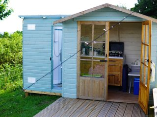 Kitchen and shower facilities