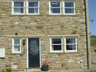Castle Lea-sleeps 5. Otterburn Village