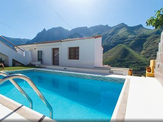 House with heated pool, superb view