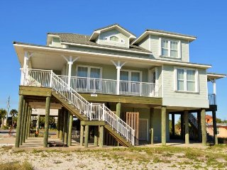 Spacious 2 story house with view of the Gulf of Mexico