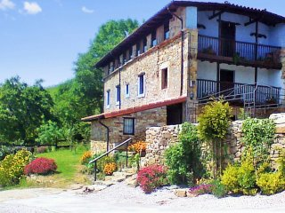 A spacious, 4 bedroom house in ampuero with gorgeous mountain views!