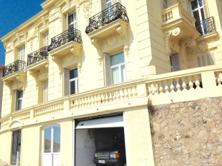 Appart villa MONACO BEAUSOLEIL 2 pas de Monaco parking, garage possible