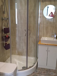 Shower room with underfloor heating