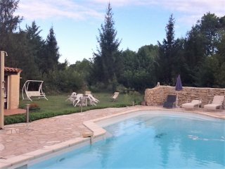 House with 2 bedrooms in Jouques, with pool access, enclosed garden and WiFi