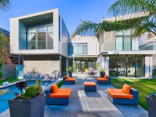 LAD66 Stunning Beverly Hills Home 5Bed/5Bath