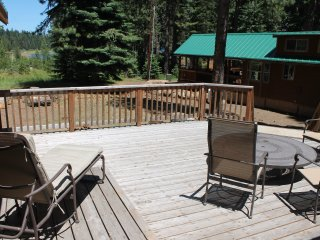 (#34) Cabin at Hyatt Lake - Enclosed Hot Tub - Sleeps 5