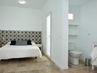 Nopal Apartment quiet place in the center of the island
