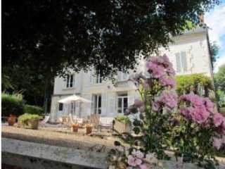 19th century family house in Burgundy (6 Bedrooms)