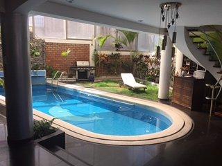 Habitación privada en Acogedora Casa con Piscina