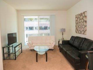 Amazing 1-Bedroom Apartment in Downtown LA Lic724