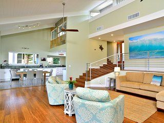 PRIVATE HOMES in WEST MAUI Hale Holokai, 6bd/3ba