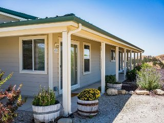 Sunrise Hill--Your Perch Atop the World in Paso Robles Wine Country