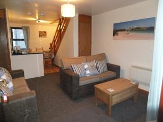 PERRANPORTH - Great value, free facilities, indoor pool, tennis, play area