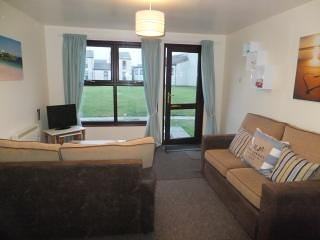PERRANPORTH 3  bedrooms,  FREE FACILITIES- indoor Swimming,  Tennis, play area, holiday rental in Mithian
