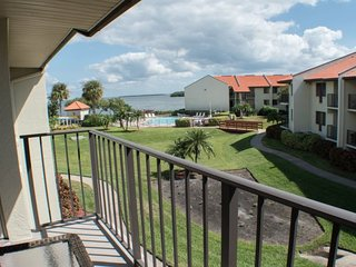 Holiday Island #E59 | Beautiful condo with pool and dock access