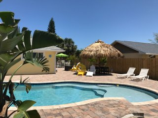 Tropical Newly remodeled Beach House W/ Heated Pool!