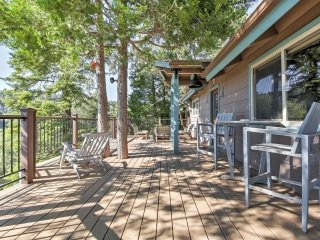 New! 3BR Running Springs Cabin w/ Mountainside Deck