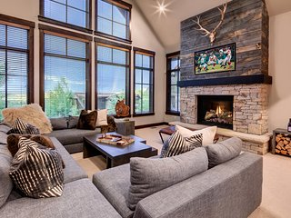 The Silver Star - Ski In/Out 5BR at Park City Mountain