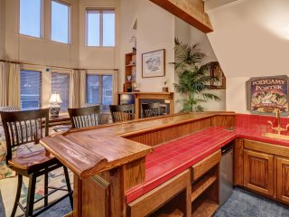 4BR/4BA + Loft Downtown Motherlode Condo in the heart of Old Town, steps to Main