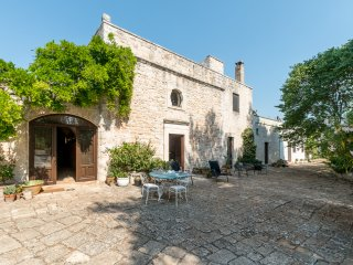 4 bedroom Villa in Ceglie Messapica, Apulia, Italy : ref 5048914