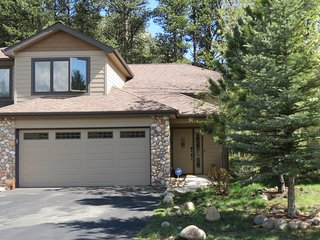 Luxury Rocky Mountain River Retreat ~ RA155584