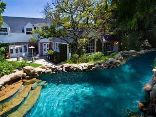 Orson Welles Estate with Lagoon Pool, Jacuzzi, Stunning Views of Hollywood