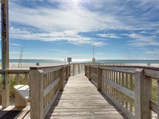 Bright & Fun 2 Bedroom Gulf Front Condo