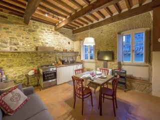 Apartment in the center of Cortona with Internet, Air conditioning (675537)