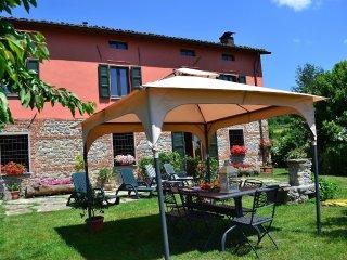 House in Castiglione di Garfagnana with Internet, Parking, Garden (67543)