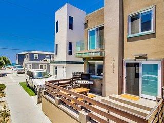 Sunset 722 House ~ RA154006
