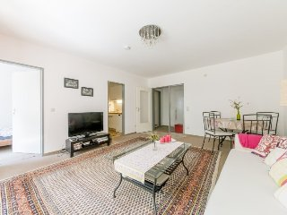 In Hanover with Internet, Parking, Balcony, Washing machine (674731)